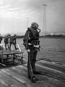 diver-in-cdba-mixture-at-horsea-early-1950s-med